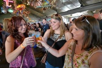 EC Brew Fest draws record crowd under blue skies